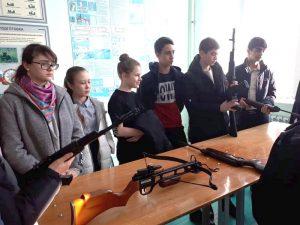 Обучающиеся гимназии на экскурсии в региональном отделении ДОСААФ РФ